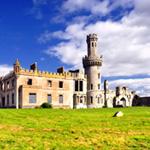 田野間的歐式城堡